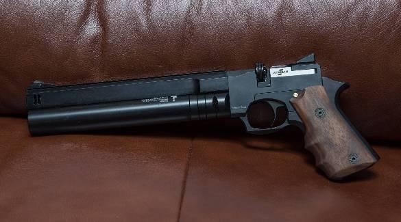 Серьезный пистолет