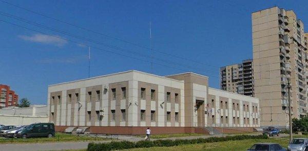 Вид на здание с улицы