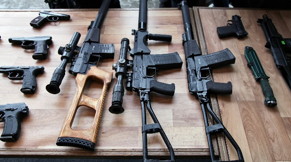 Оружие на столе