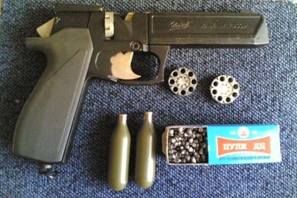 Пульки, баллоны и пистолет