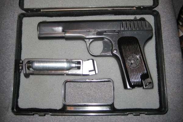 Пистолет в коробке