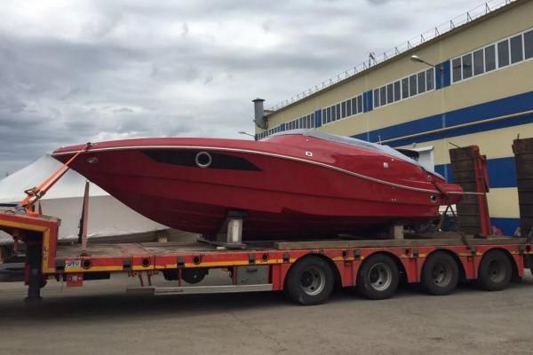 Красивая яхта