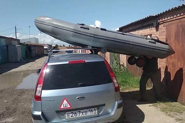 Крепление лодки на багажнике