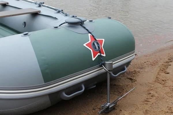 Лодка на якоре